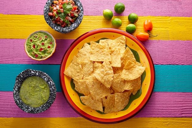 Croustilles nachos à la sauce mexicaine Photo Premium