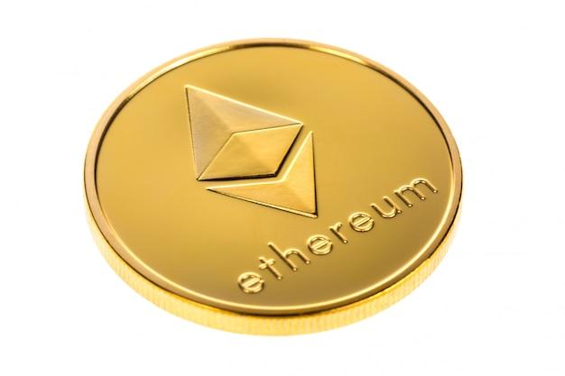 Crypto-monnaie numérique ethereum isolé sur blanc Photo Premium