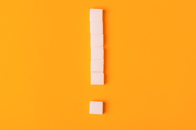 Cubes De Sucre De Point D'exclamation Photo Premium