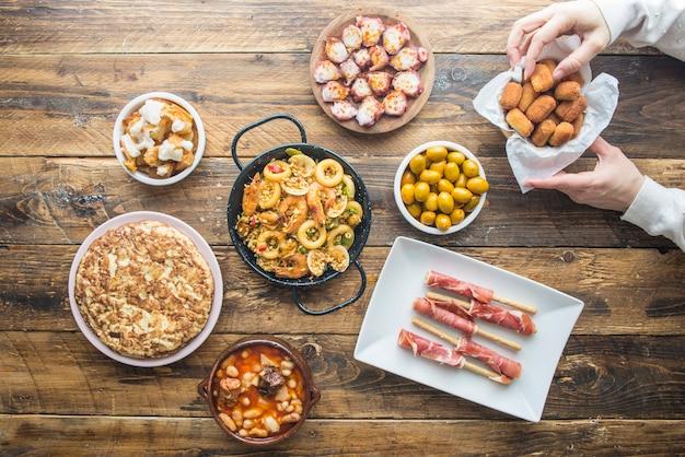 Cuisine Espagnole Typique Photo Premium