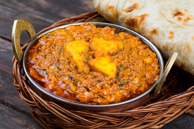 Cuisine indienne kadai paneer Photo Premium