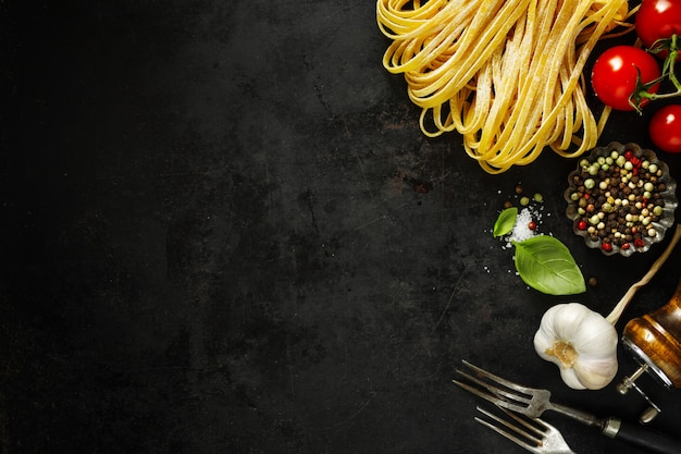 Cuisine italienne avec des ingrédients Photo Premium