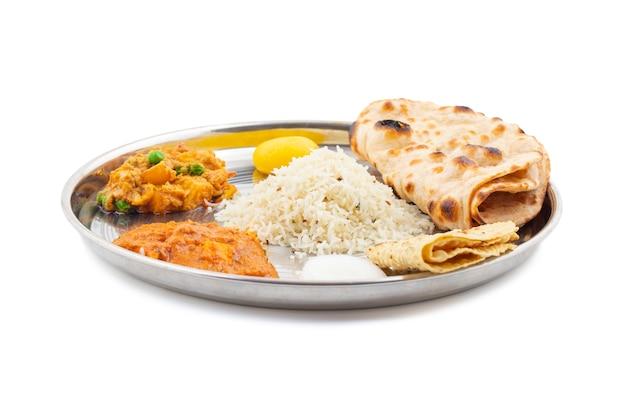Cuisine thaïe traditionnelle indienne Photo Premium