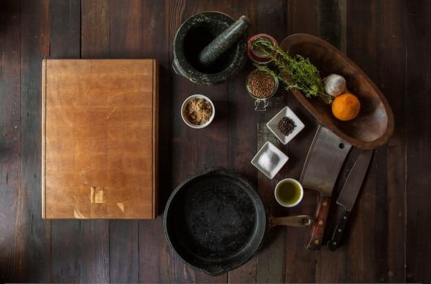 Cuisine avec ustensiles anciens Photo gratuit