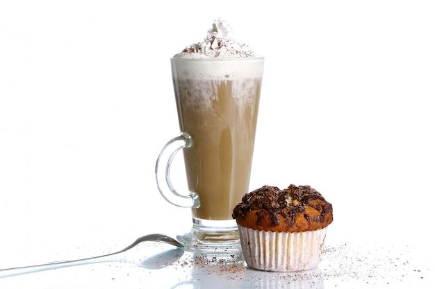 Cupcake Au Chocolat Râpé Et Au Café Photo gratuit