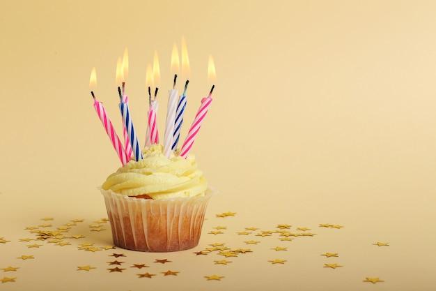Cupcake Aux Bougies Photo gratuit