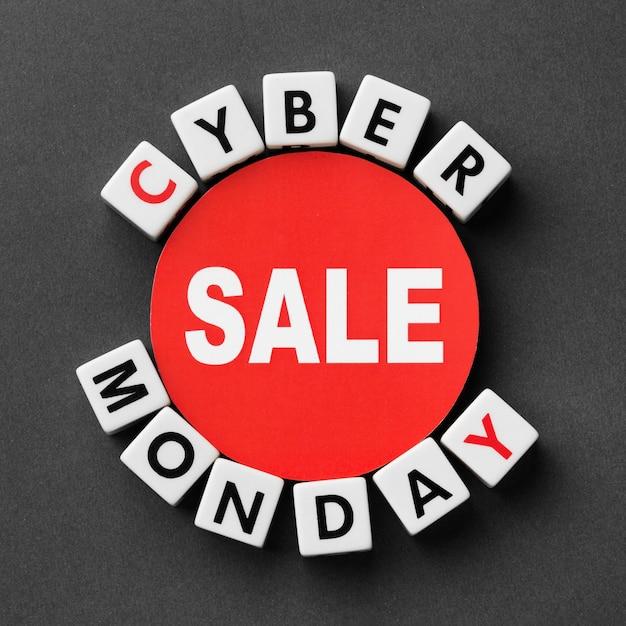 Cyber Monday écrit Avec Le Concept De Lettres De Scrabble Photo gratuit