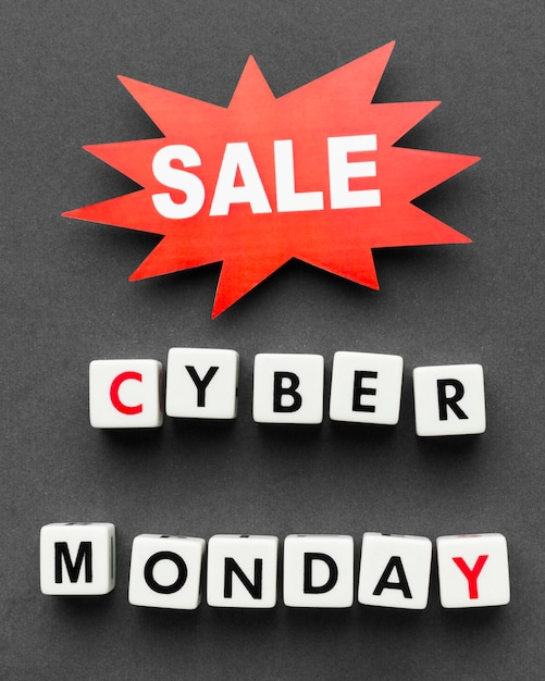 Cyber Monday écrit Avec Des Lettres De Scrabble Et Une étiquette De Vente Photo gratuit