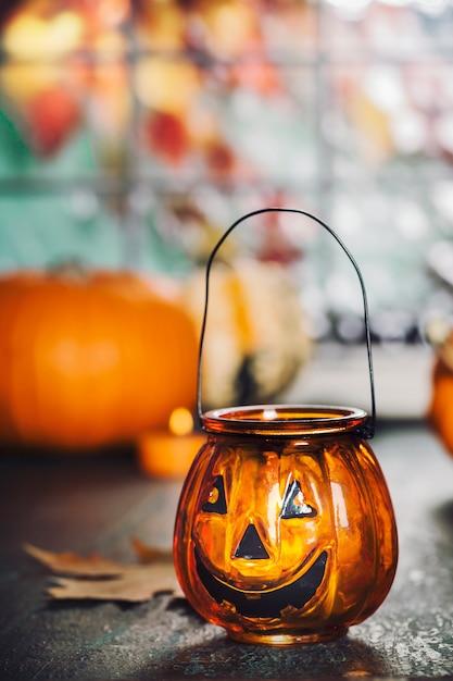 Décoration d'halloween. concept d'automne chaleureux et confortable. Photo Premium