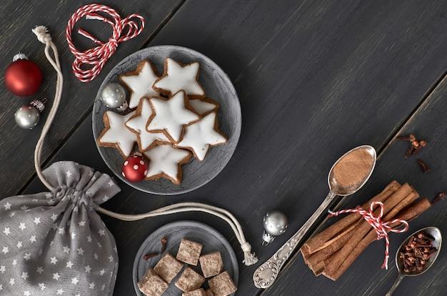 Décoration de noël, biscuits, boules Photo Premium