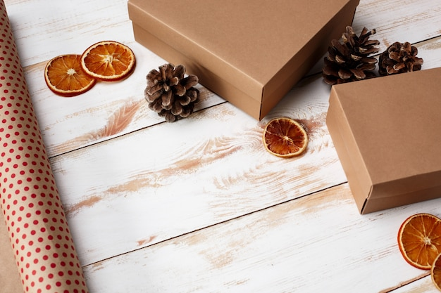 Décoration De Noël Et Coffrets Cadeaux Sur Fond En Bois. Au Dessus De. Photo gratuit