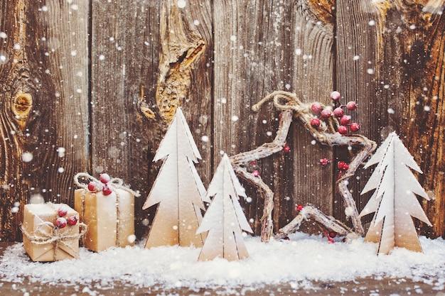Décoration De Noël Sur Fond En Bois Photo Premium