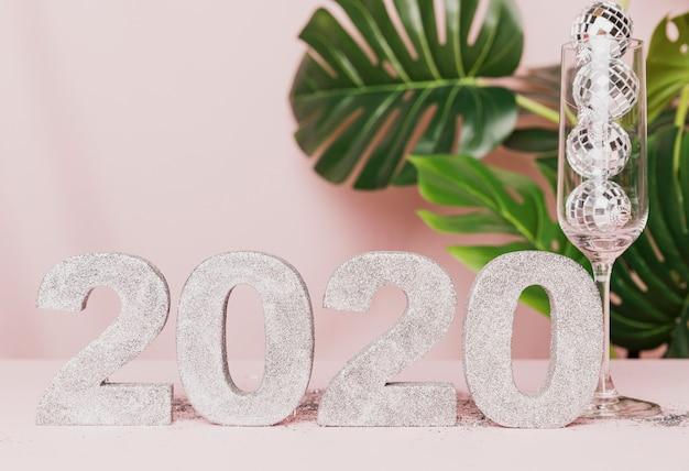 Décoration De Nouvel An Avec Fond Rose Photo gratuit