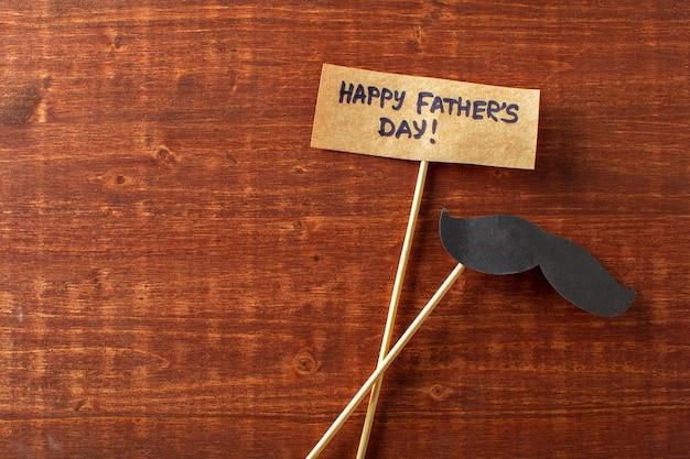 Décoration en papier avec texte bonne fête des pères Photo Premium