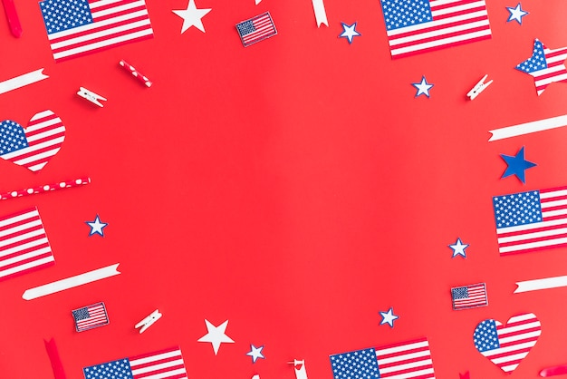 Décorations à la main en papier pour le jour de l'indépendance Photo gratuit