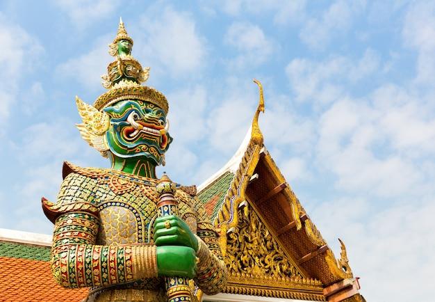 Défenseur De Temple Wat Po Photo Premium