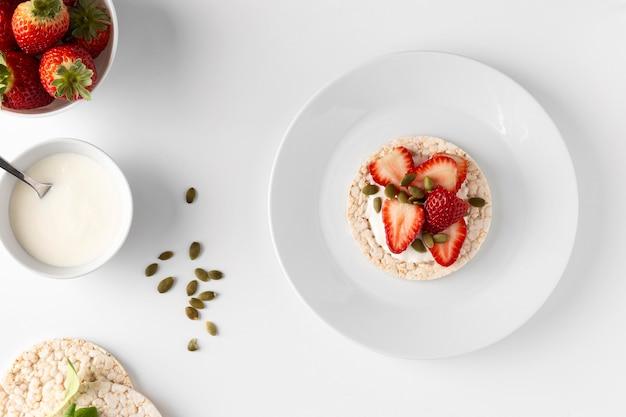 Délicieuse Collation Saine Avec Gâteau De Riz Photo gratuit