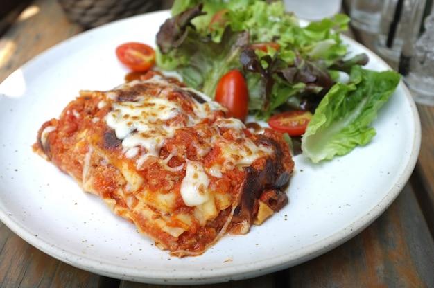Délicieuse Lasagne à La Viande Photo Premium