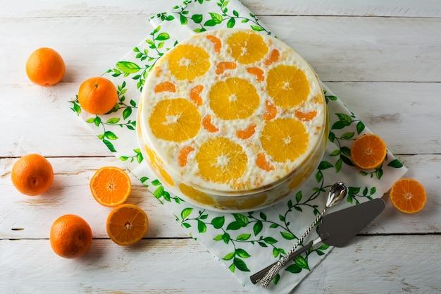 Délicieuse Tarte Aux Fruits Mousse Froide Photo Premium