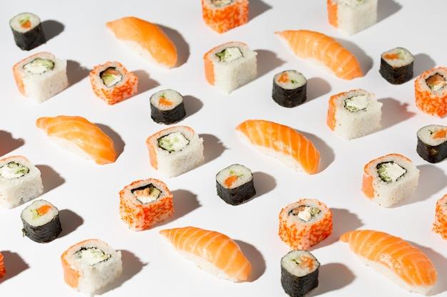 Délicieuse Variété De Sushis Photo Premium