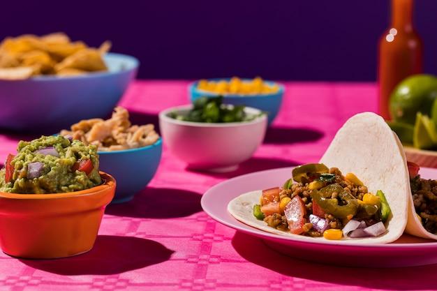 Délicieux Arrangement De Cuisine Mexicaine Photo Premium