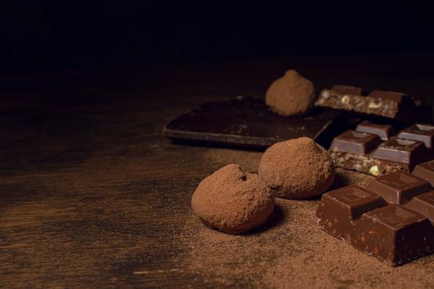 Délicieux Assortiment De Chocolat Photo gratuit