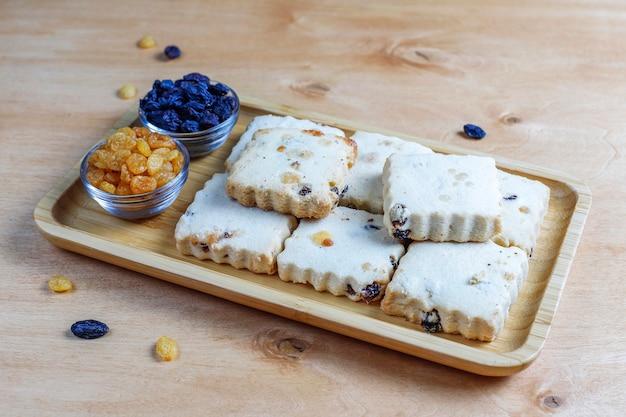 Délicieux Biscuits Faits Maison Aux Raisins Secs. Photo gratuit