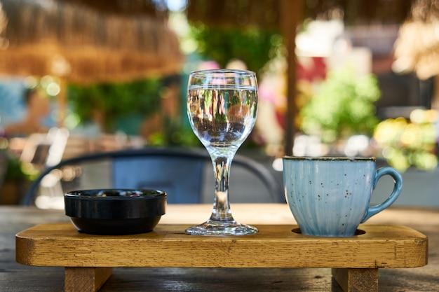 Délicieux café turc sur la table Photo Premium