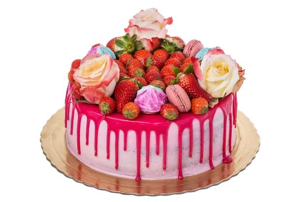 Délicieux Gâteau D'anniversaire Multicolore. Avec Des Guimauves Photo Premium