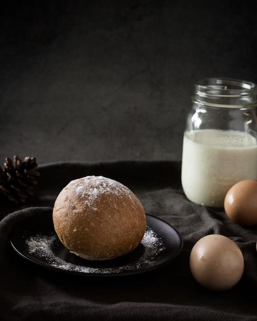 Délicieux pain fraîchement cuit au four Photo gratuit