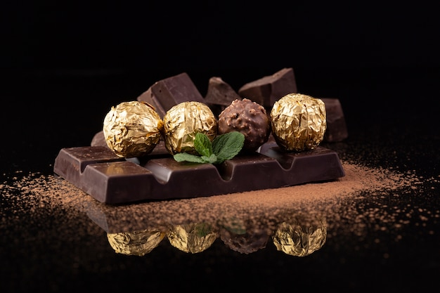 De Délicieux Snacks Au Chocolat Se Bouchent Photo gratuit