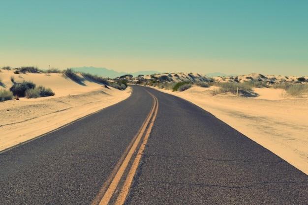 Désert et la route Photo gratuit
