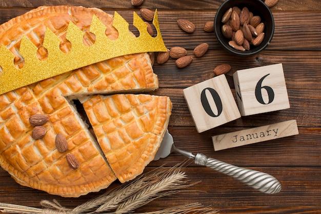 Dessert Epiphany Fait Maison Et Calendrier Du 6 Janvier Photo gratuit