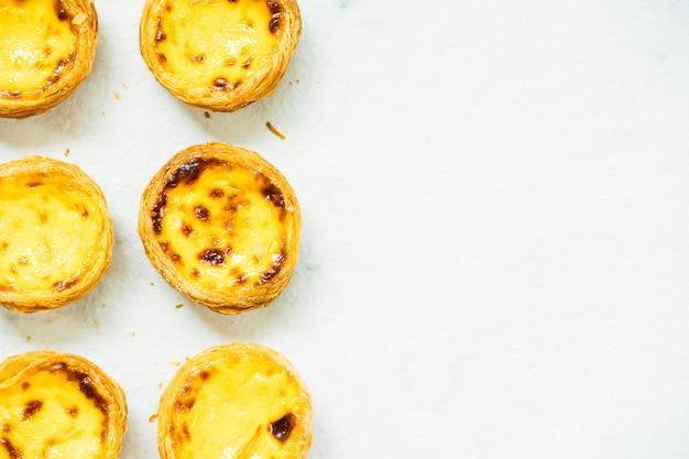 Dessert sucré avec oeuf à tarte Photo gratuit