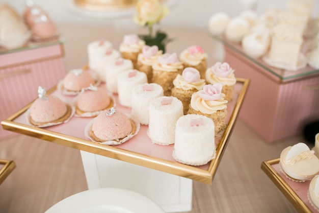 Desserts de table de mariage Photo gratuit