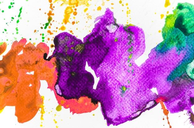 Dessin abstrait de coup de pinceau sur du papier blanc Photo gratuit