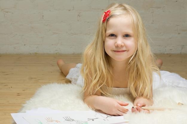 Dessin De Fille Enfant Photo Premium