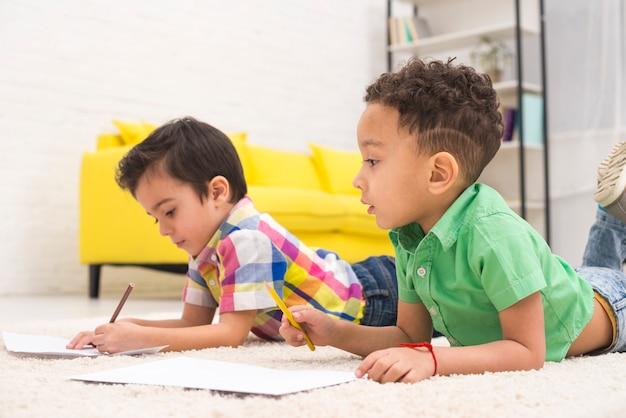 Dessin de groupe d'enfants Photo gratuit