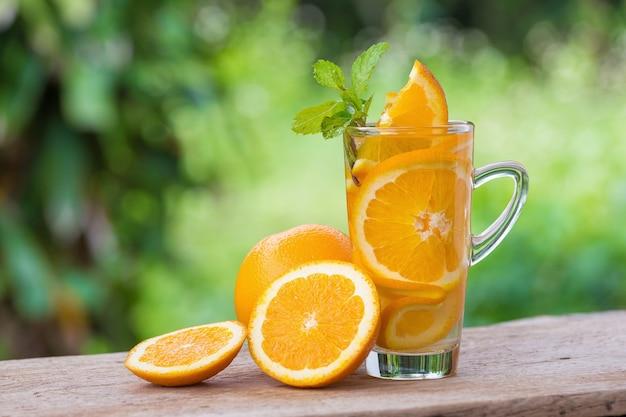 Detox Eau Avec Orange. Photo Premium