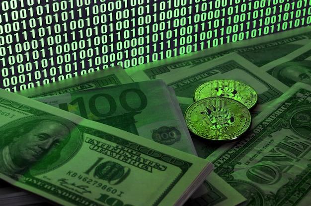 Deux bitcoins reposent sur une pile de billets d'un dollar Photo Premium