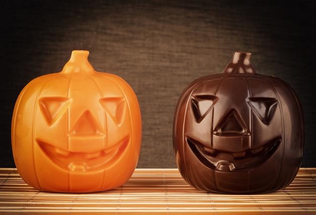 Deux citrouilles au chocolat halloween Photo Premium