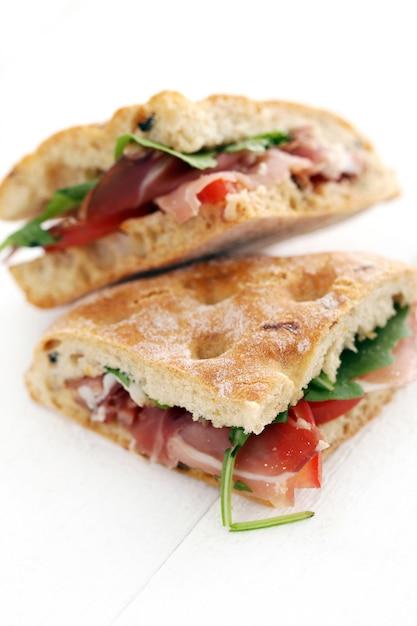 Deux délicieux sandwiches Photo gratuit