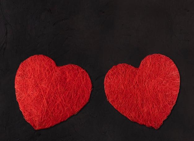 Deux Grands Coeurs. Concept De La Saint-valentin Photo Premium
