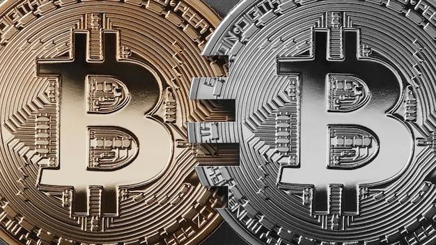 Deux Pièces Bitcoin Sur Un Concept De Transfert D'argent Fond Noir. Photo Premium