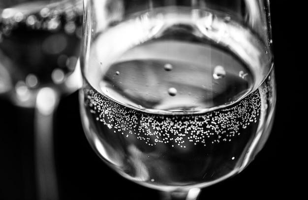Deux verres de macrophotographie de vin mousseux Photo gratuit