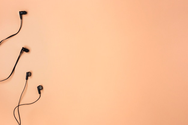 Disposition Des écouteurs Avec Espace Copie Photo gratuit
