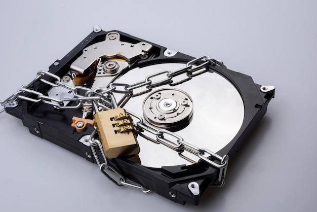 Disque dur contenant des informations importantes. et c'est la partie la plus importante des ordinateurs Photo Premium