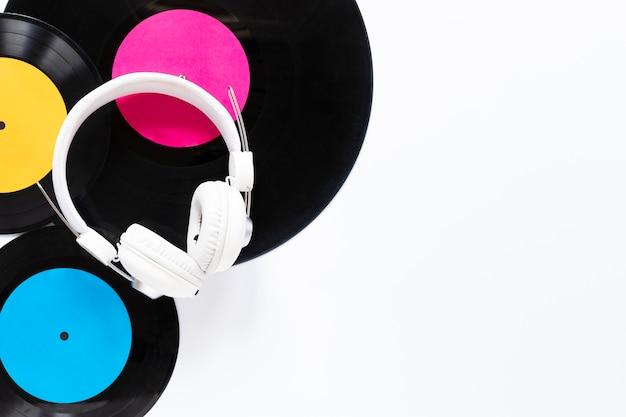 Disques vinyles vue de dessus avec espace de copie Photo gratuit