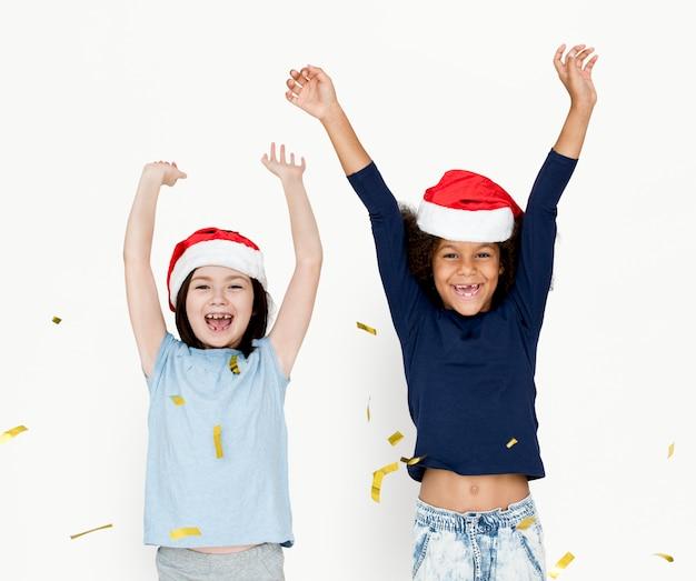 Divers enfants s'amusant portrait Photo Premium