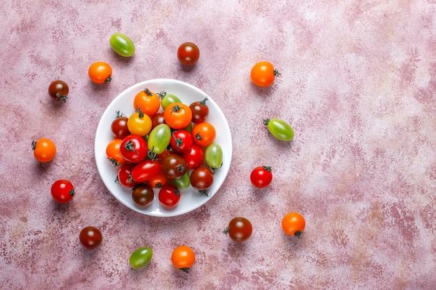Diverses Tomates Cerises Colorées. Photo gratuit
